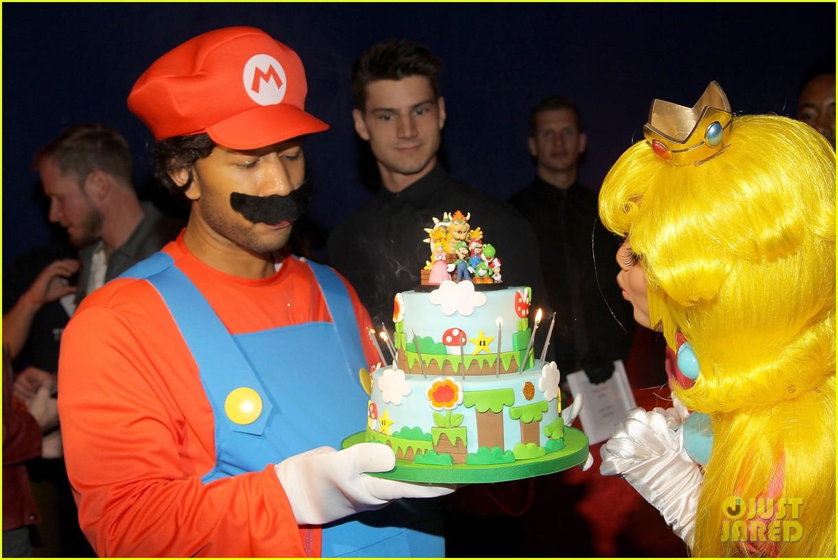 john legend chrissy teigen super mario bros birthday party 11