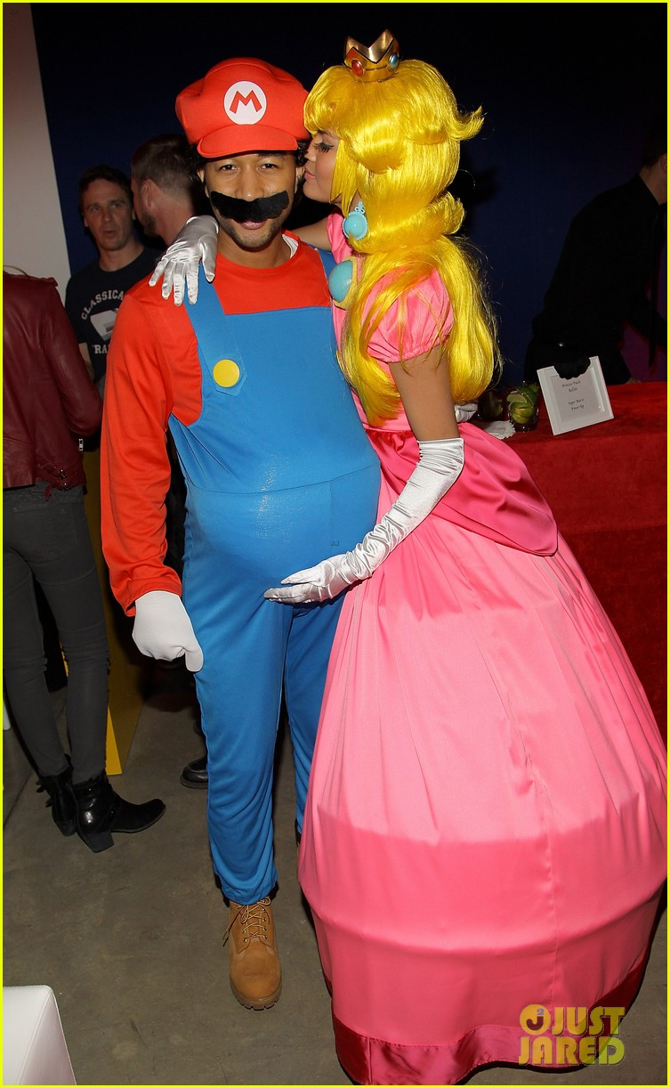 john legend chrissy teigen super mario bros birthday party 12