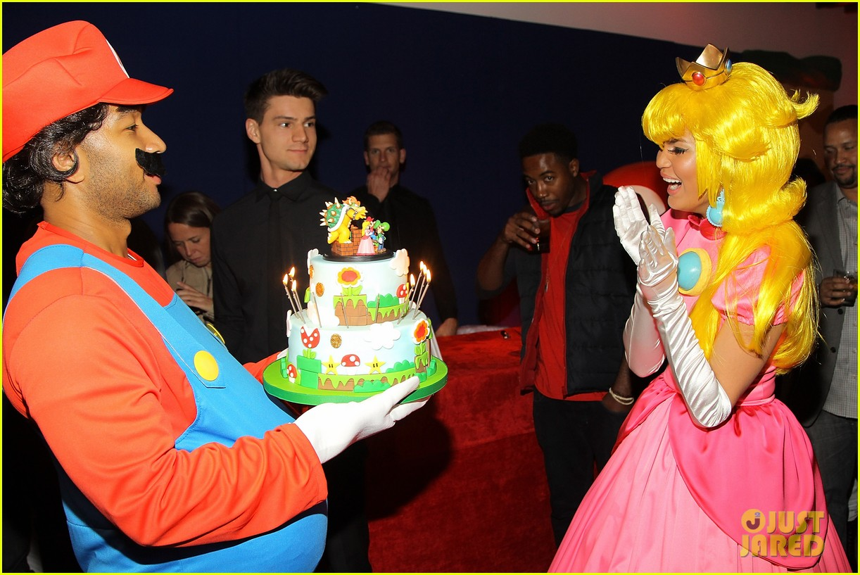 john legend chrissy teigen super mario bros birthday party 143001421