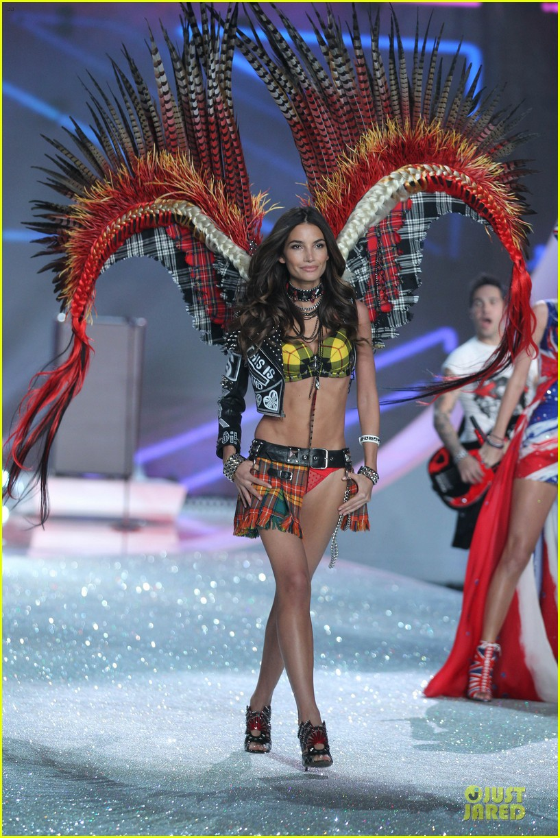 adriana lima lily aldridge victorias secret fashion show 2013 21