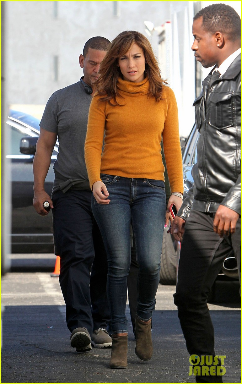jennifer lopez begins filming boy next door 03
