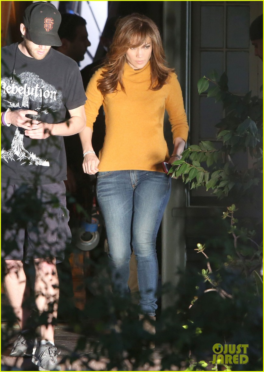 jennifer lopez begins filming boy next door 07
