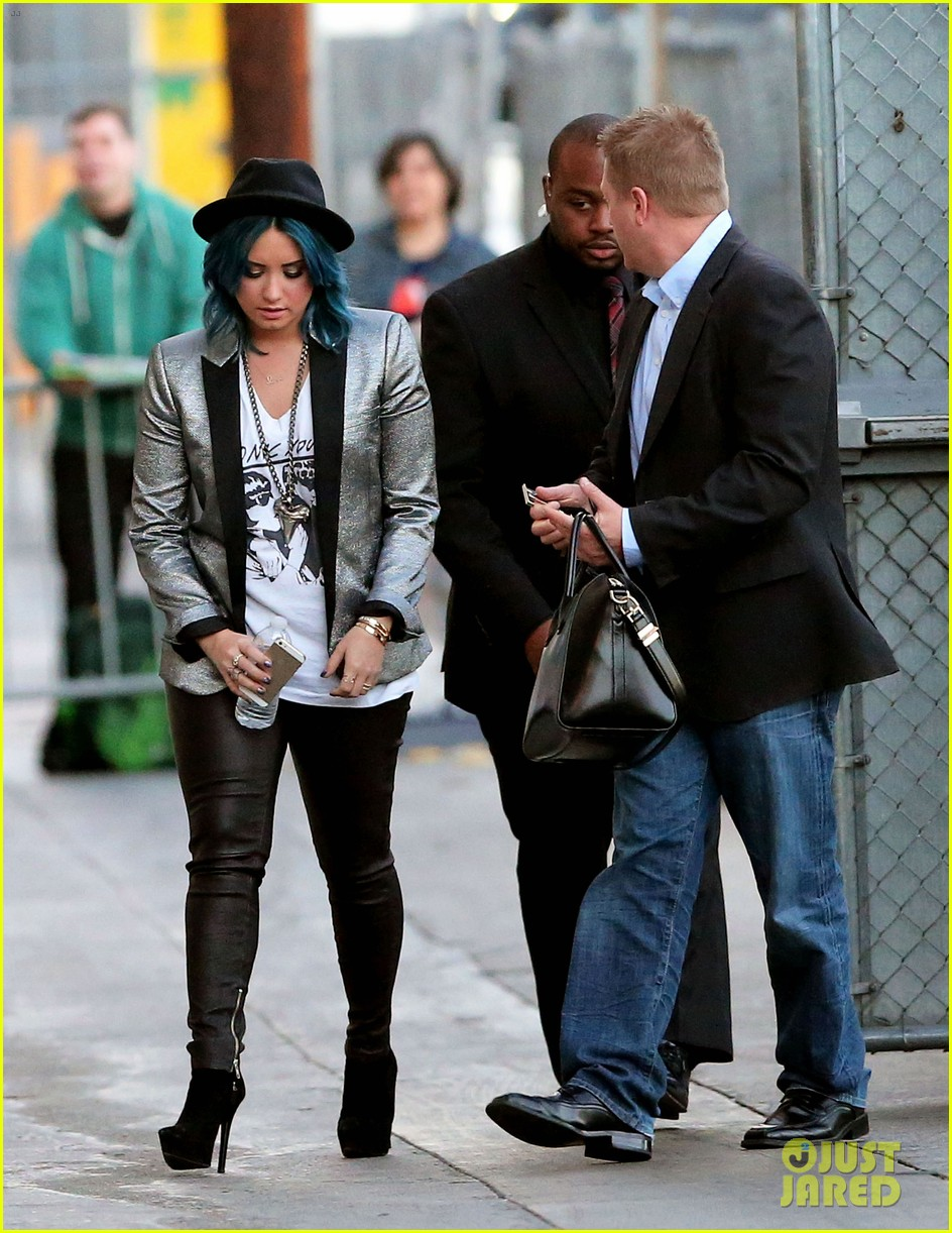 demi lovato stops by jimmy kimmel live 04