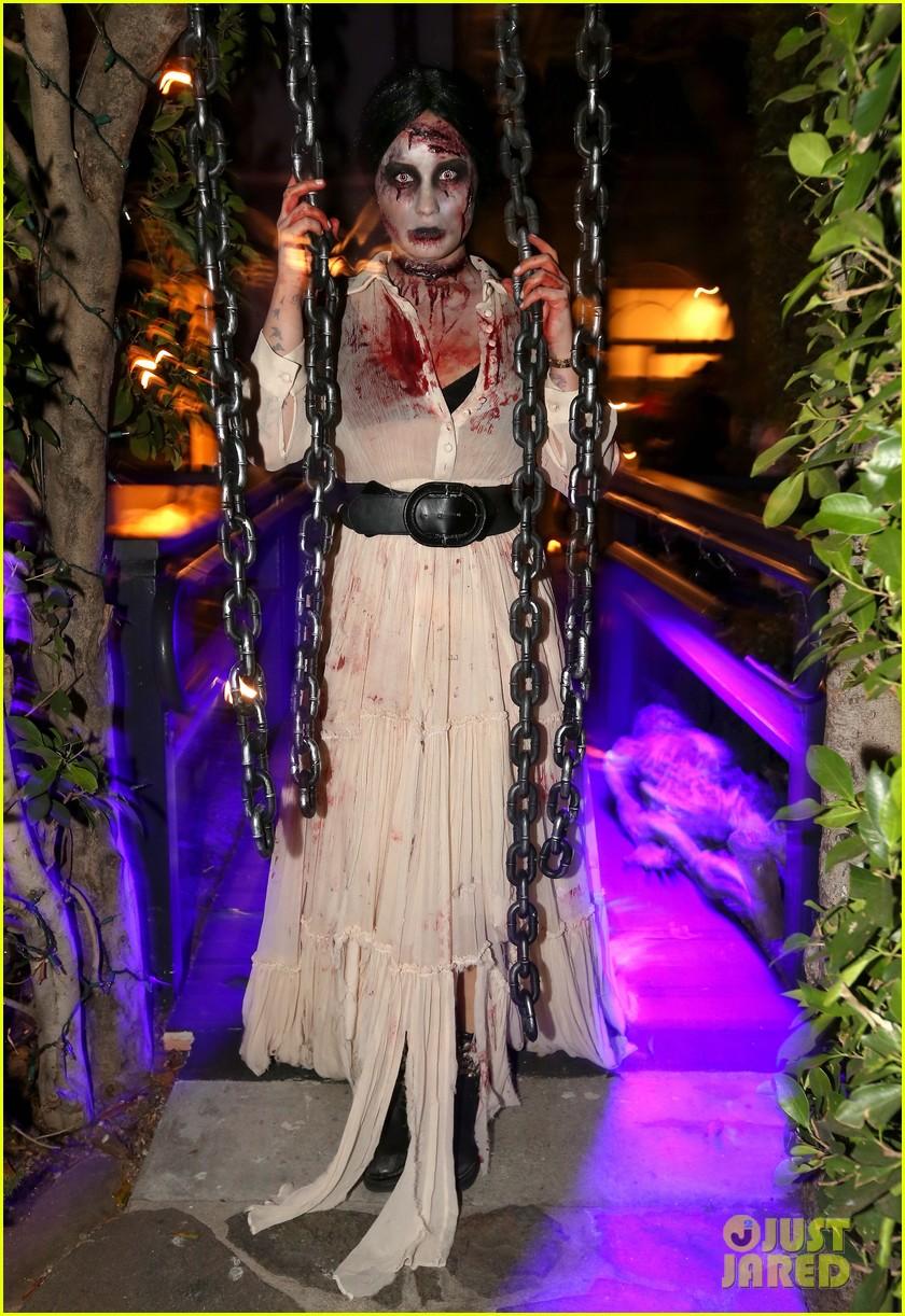 demi lovato dead zombie halloween costume 2013 01
