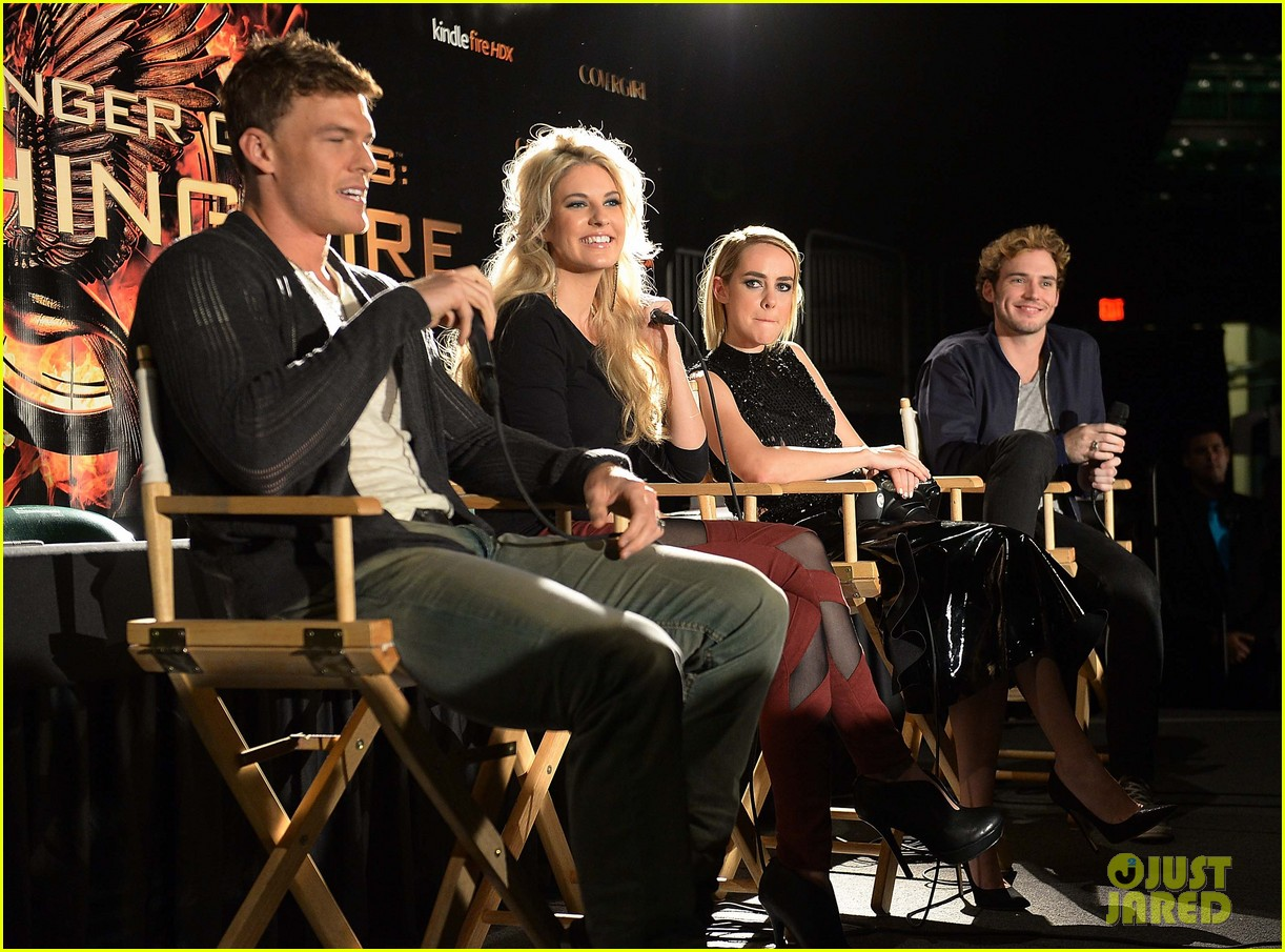 jena malone sam claflin continue hunger games victory tour 032986560