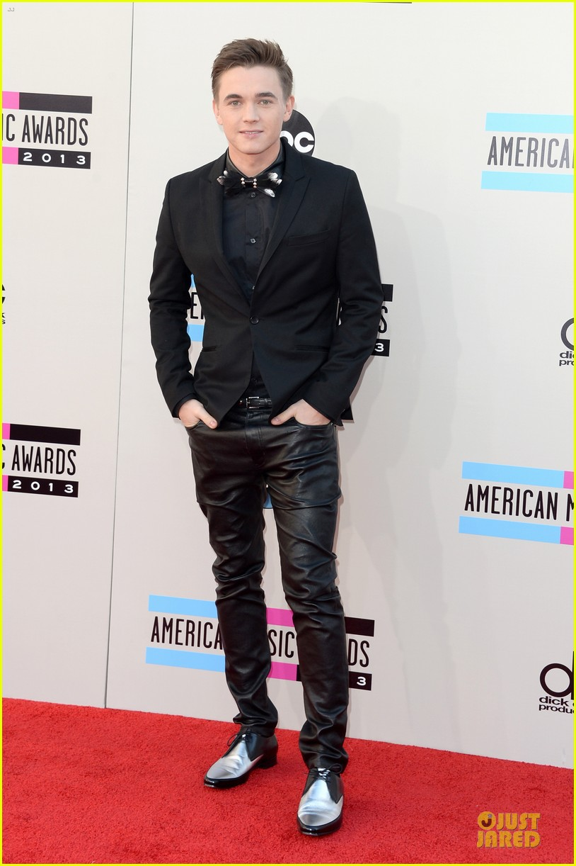 jesse mccartney amas 2013 red carpet 012999186