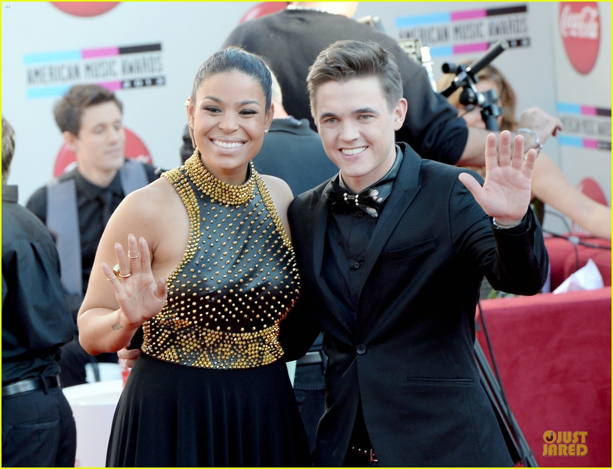 jesse mccartney amas 2013 red carpet 102999195
