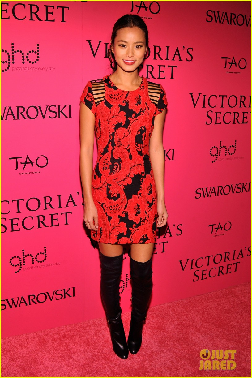 dylan mcdermott jamie chung victorias secret fashion show after party 2013 11