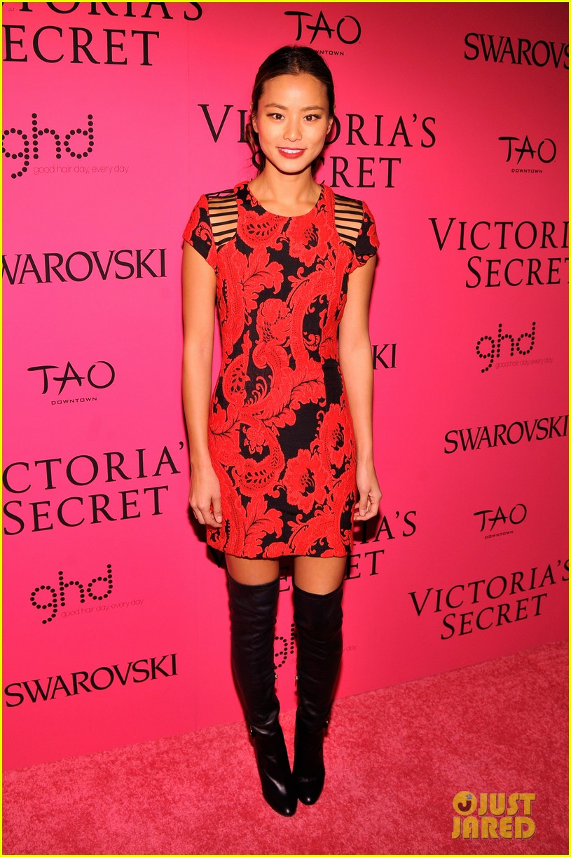 dylan mcdermott jamie chung victorias secret fashion show after party 2013 12