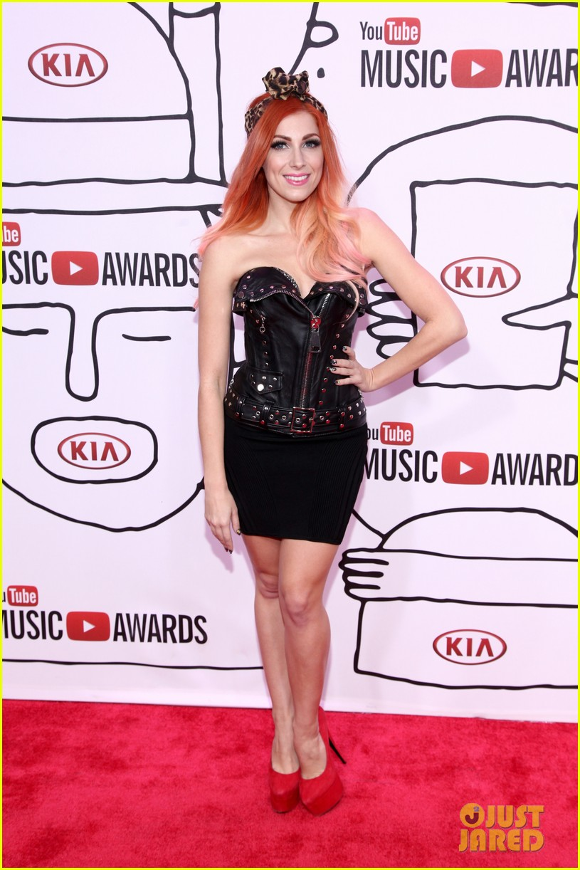 bonnie mckee m i a youtube music awards 2013 red carpet photo 2985723 2013 youtube music. Black Bedroom Furniture Sets. Home Design Ideas