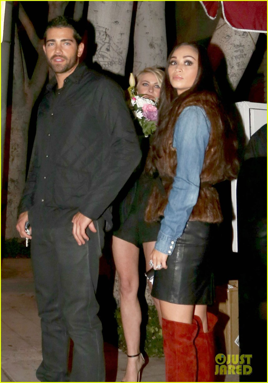 jesse metcalfe cara santana dinner with julianne hough 03