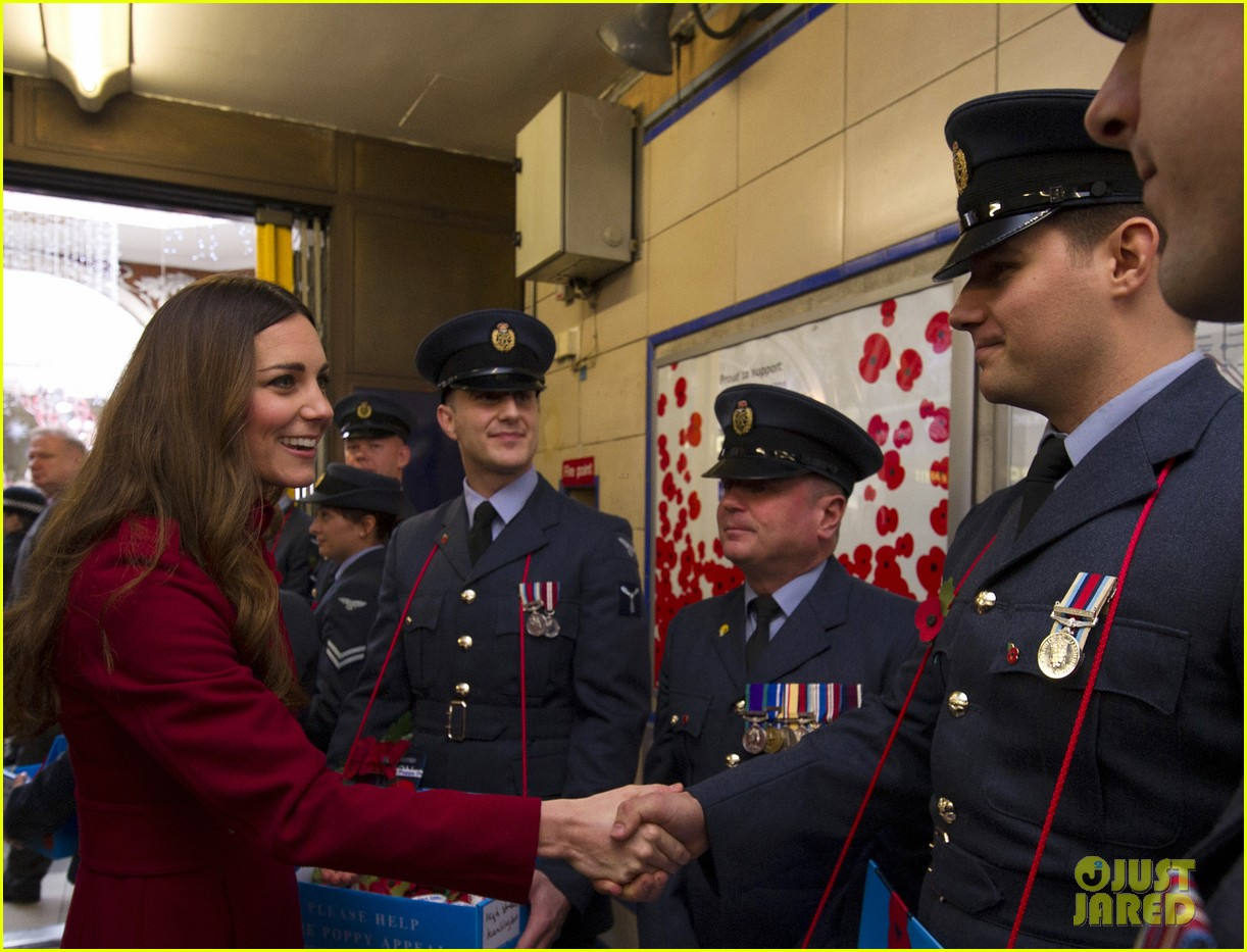 kate middleton prince william poppy day appeal 13