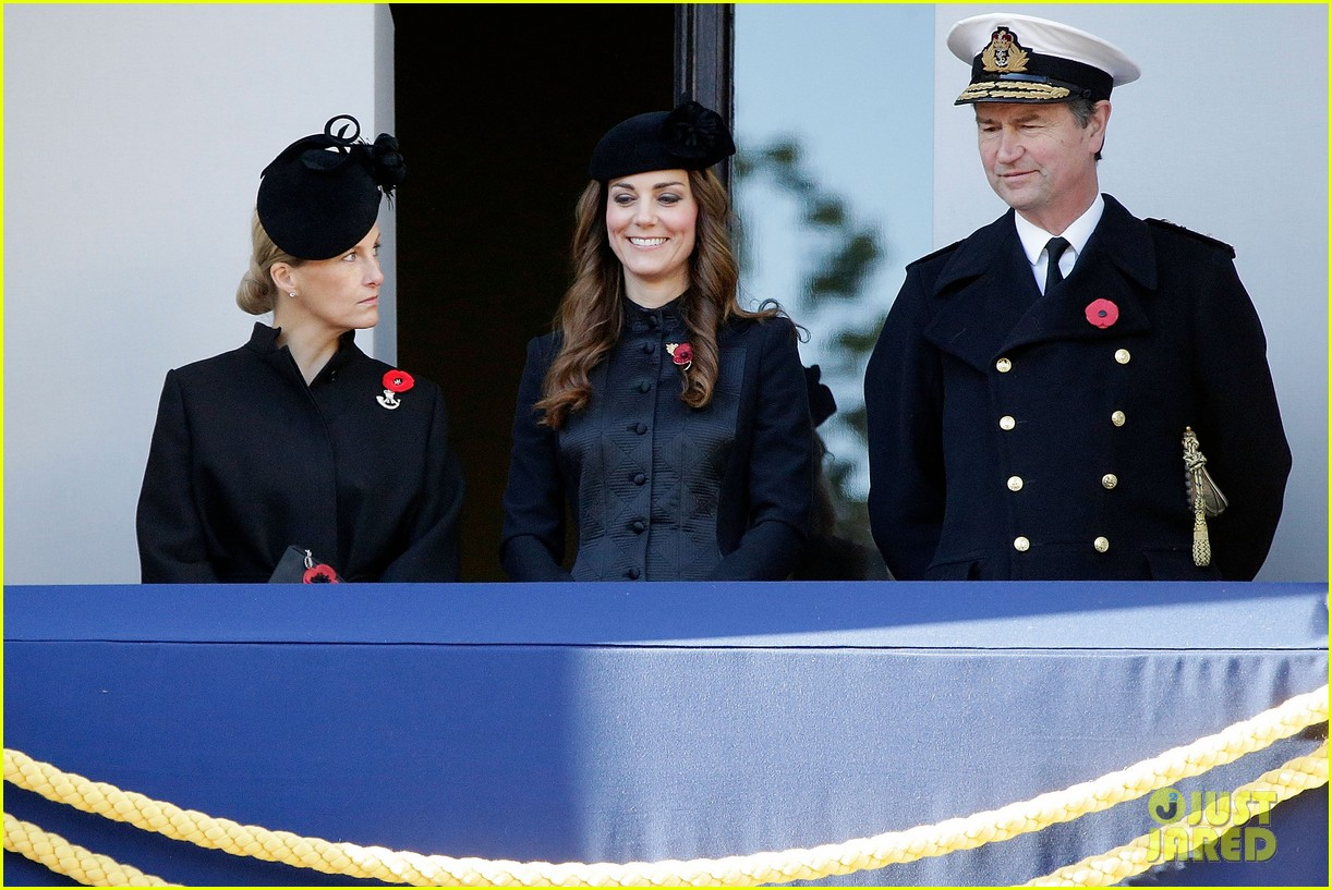 kate middleton prince william remembrance sunday sevice 062989713