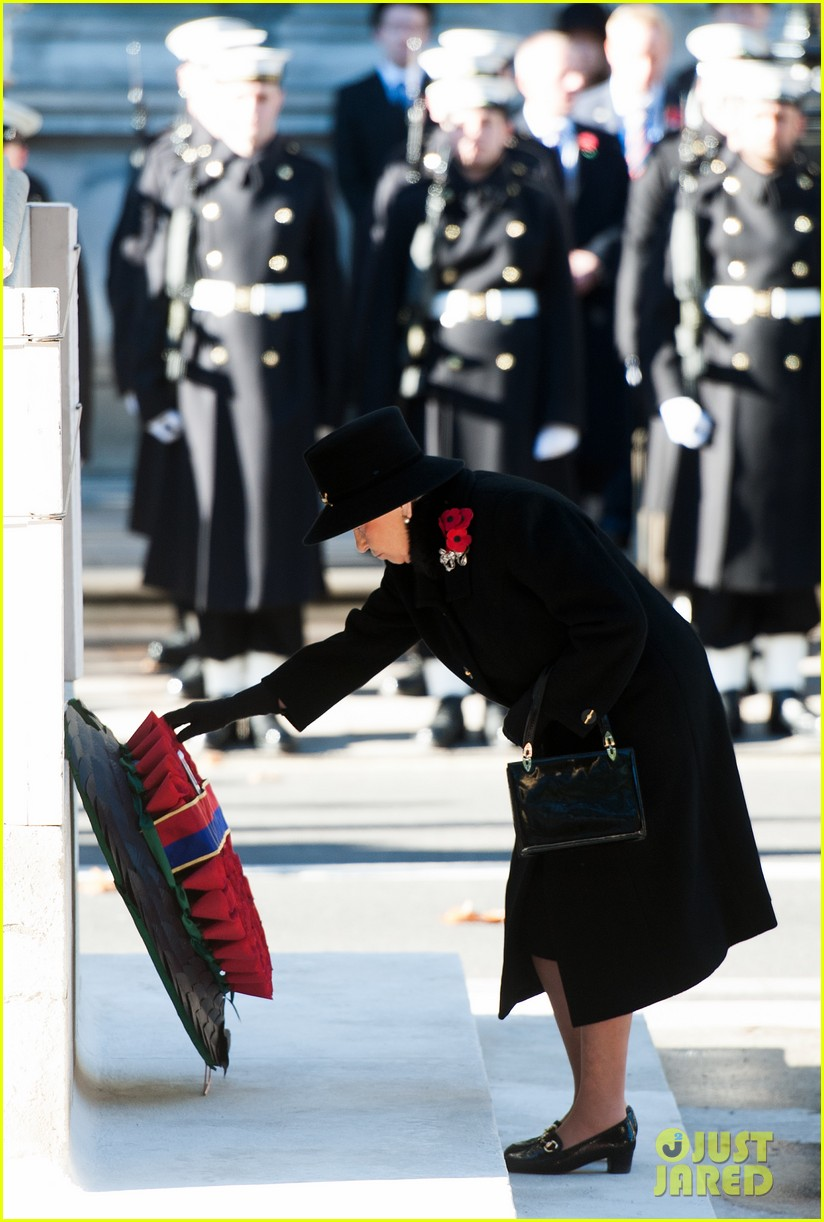 kate middleton prince william remembrance sunday sevice 09