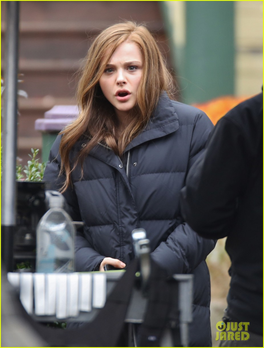 chloe moretz first day on if i stay set 012983769