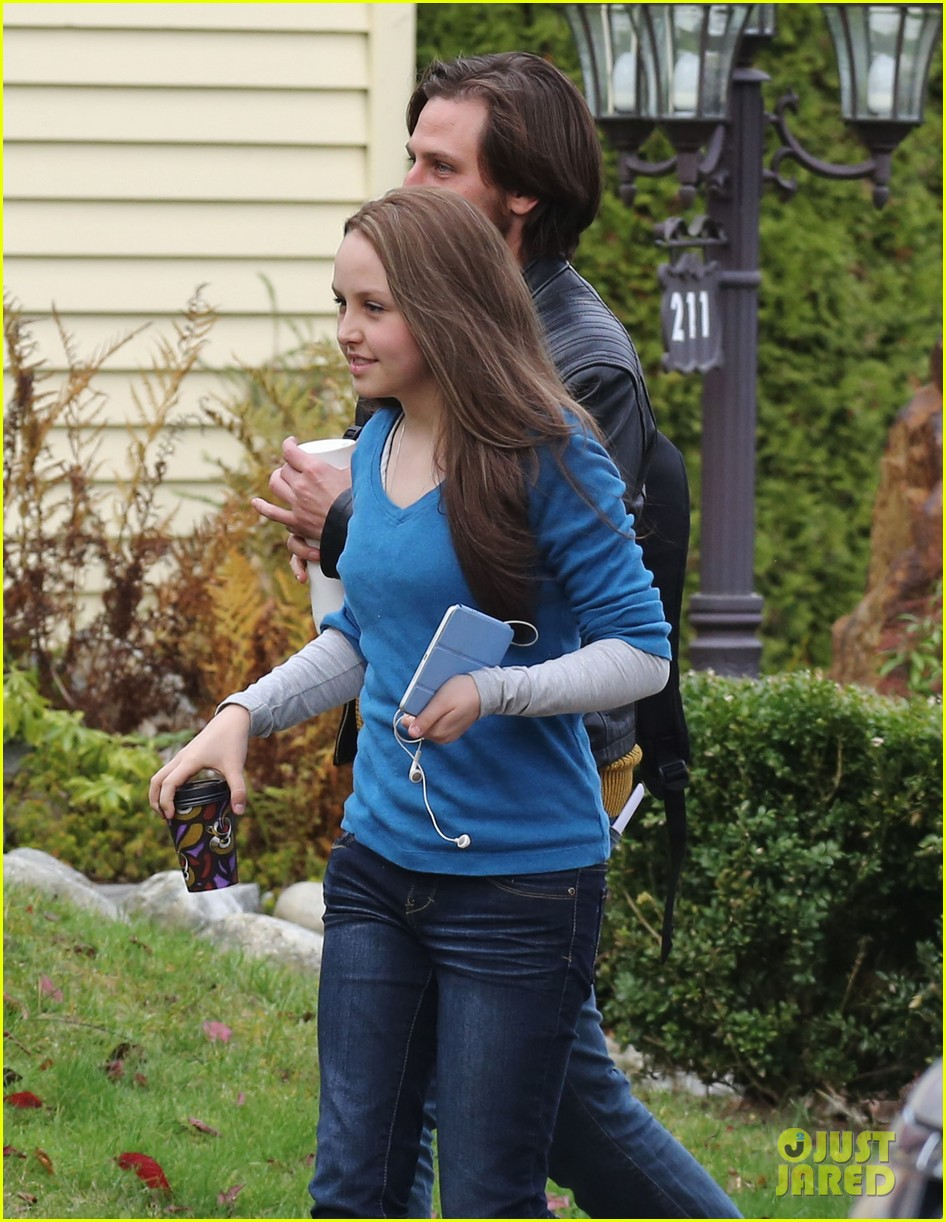chloe moretz first day on if i stay set 042983772