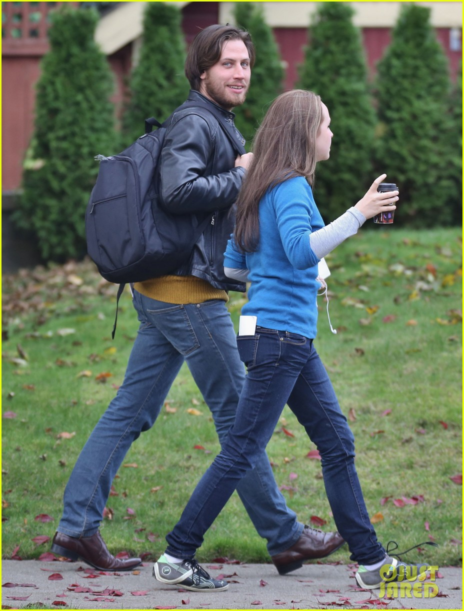 chloe moretz first day on if i stay set 16