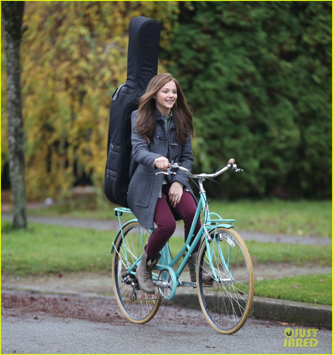 chloe moretz all smiles on if i stay set 112993292