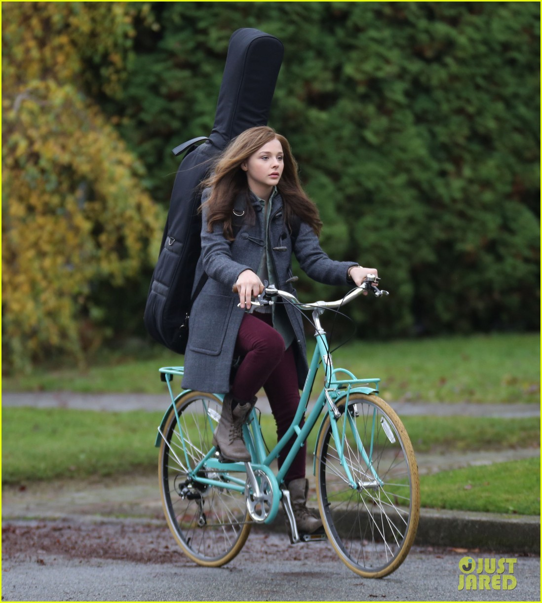 chloe moretz all smiles on if i stay set 222993303