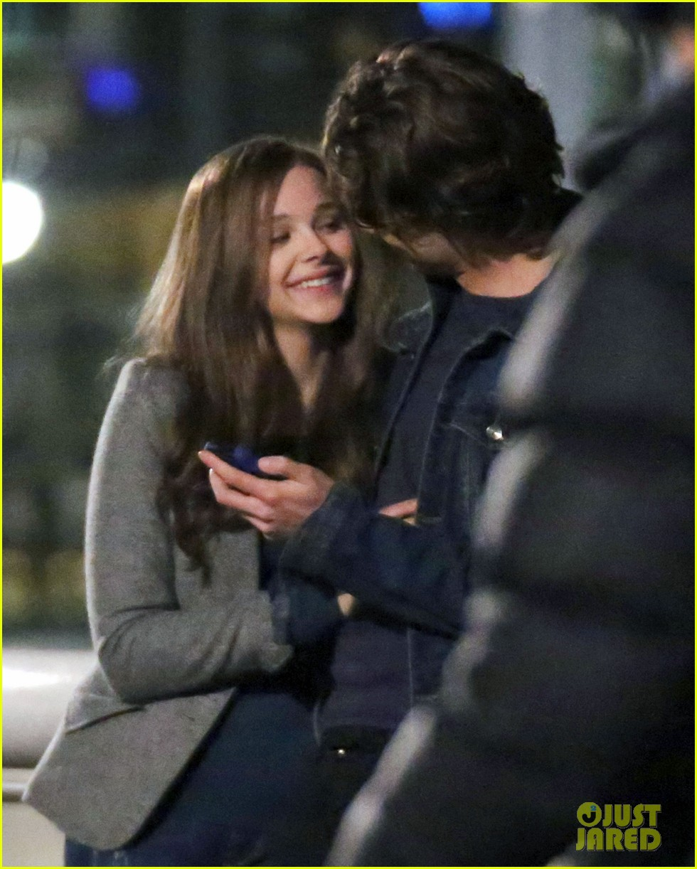 chloe moretz kisses co star jamie blackley on set 10