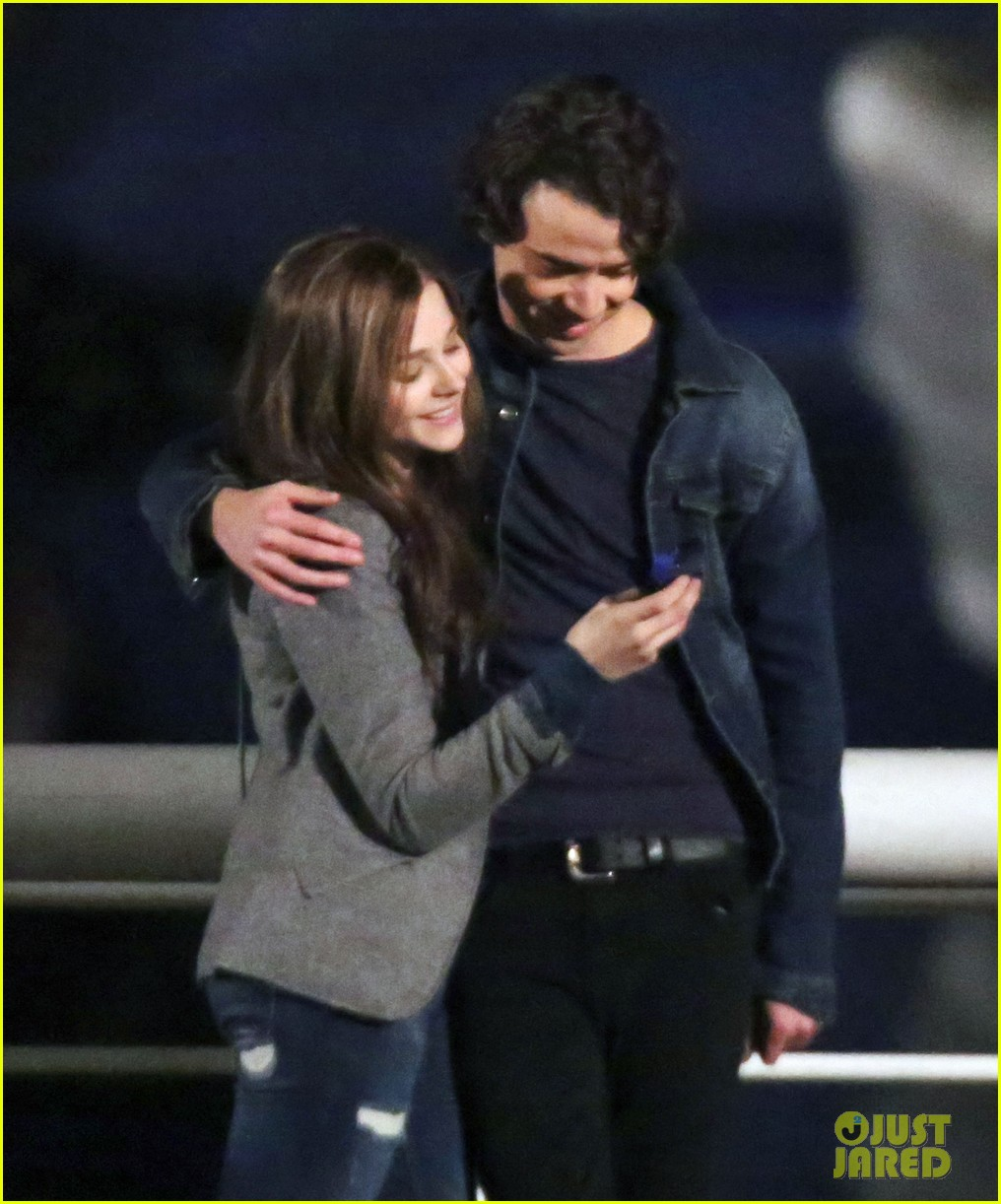 chloe moretz kisses co star jamie blackley on set 193001243