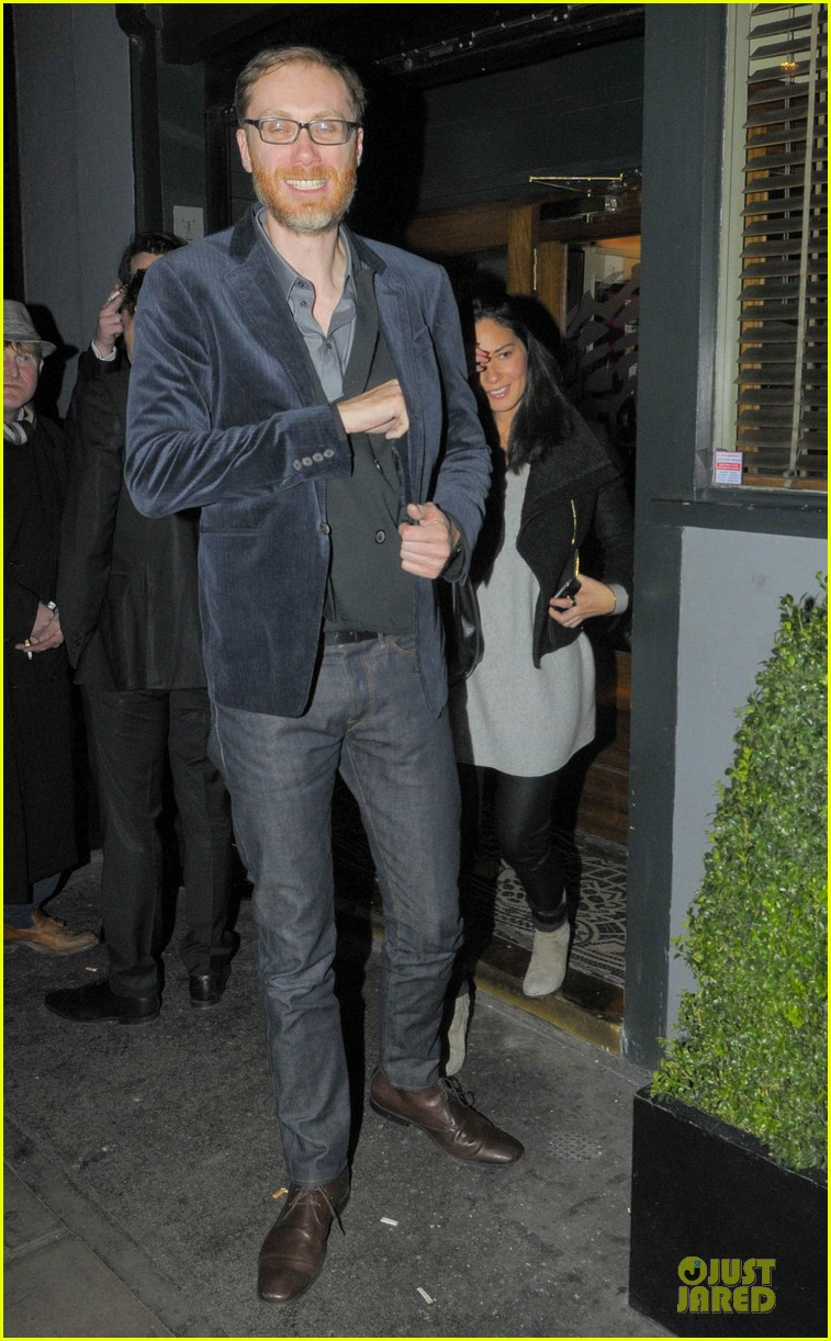 olivia munn groucho club with stephen merchant 03