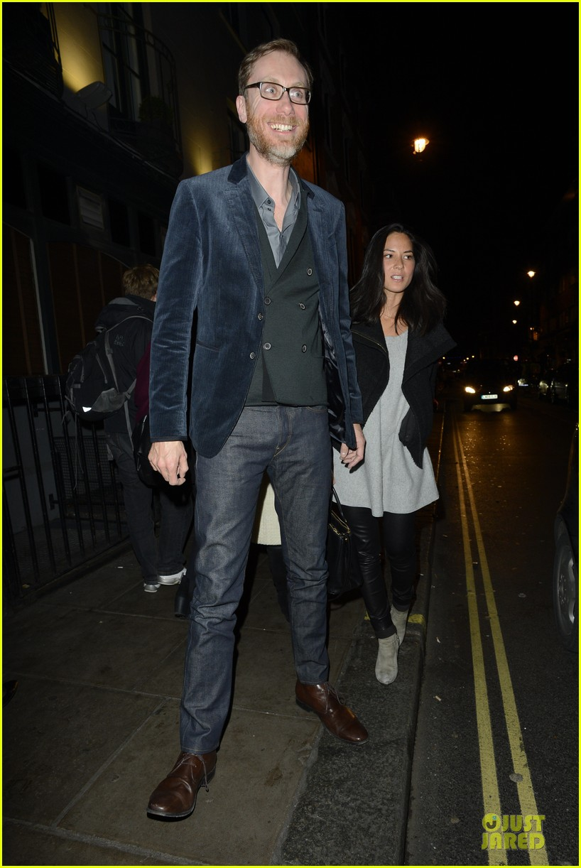 olivia munn groucho club with stephen merchant 14