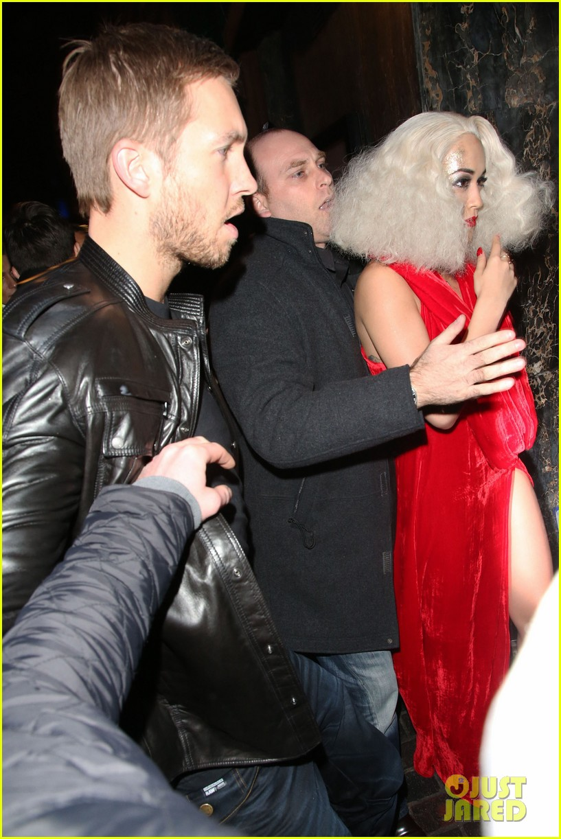 rita ora celebrates 23rd birthday with boyfriend calvin harris 033001084