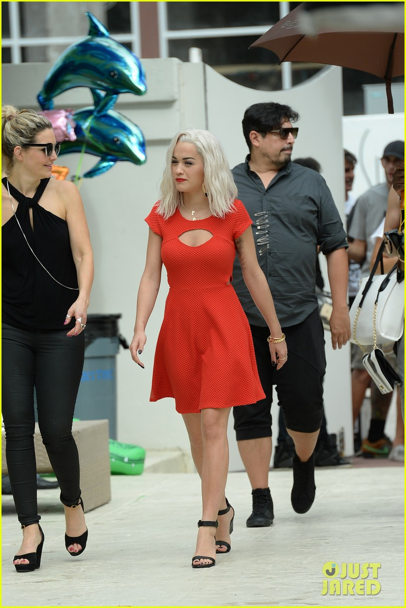 rita ora rushed to hospital during photo shoot in miami 242995477