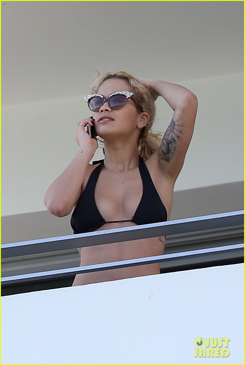 rita ora relaxes in her bikini after health scare 10