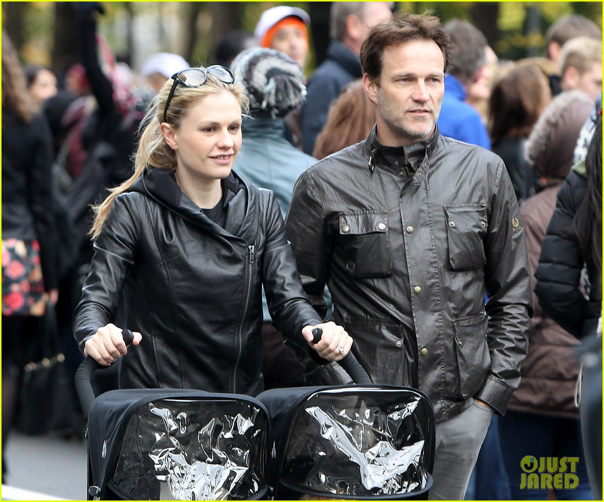 anna paquin stephen moyer check out nyc marathon 022986062