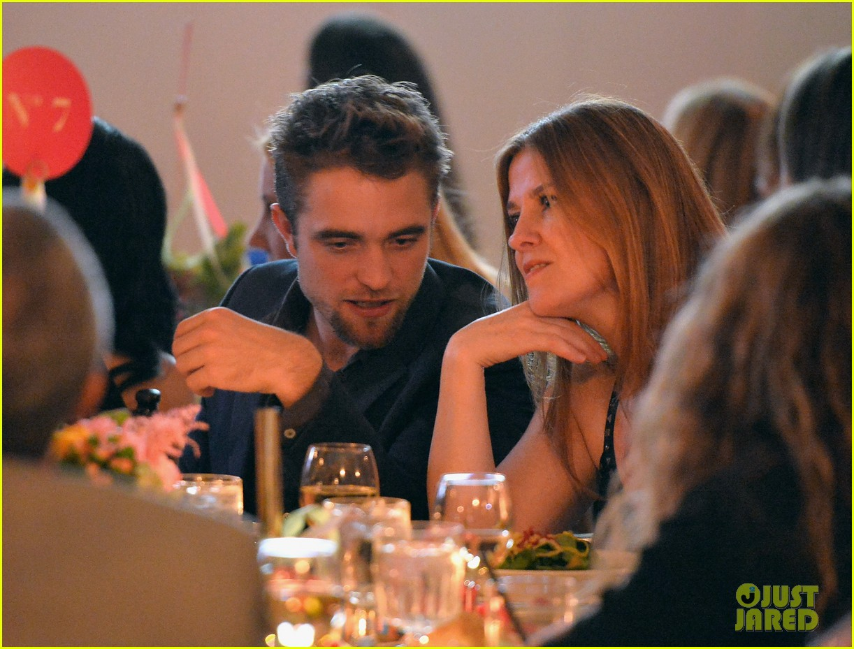 robert pattinson shows off new goatee at go go gala 12