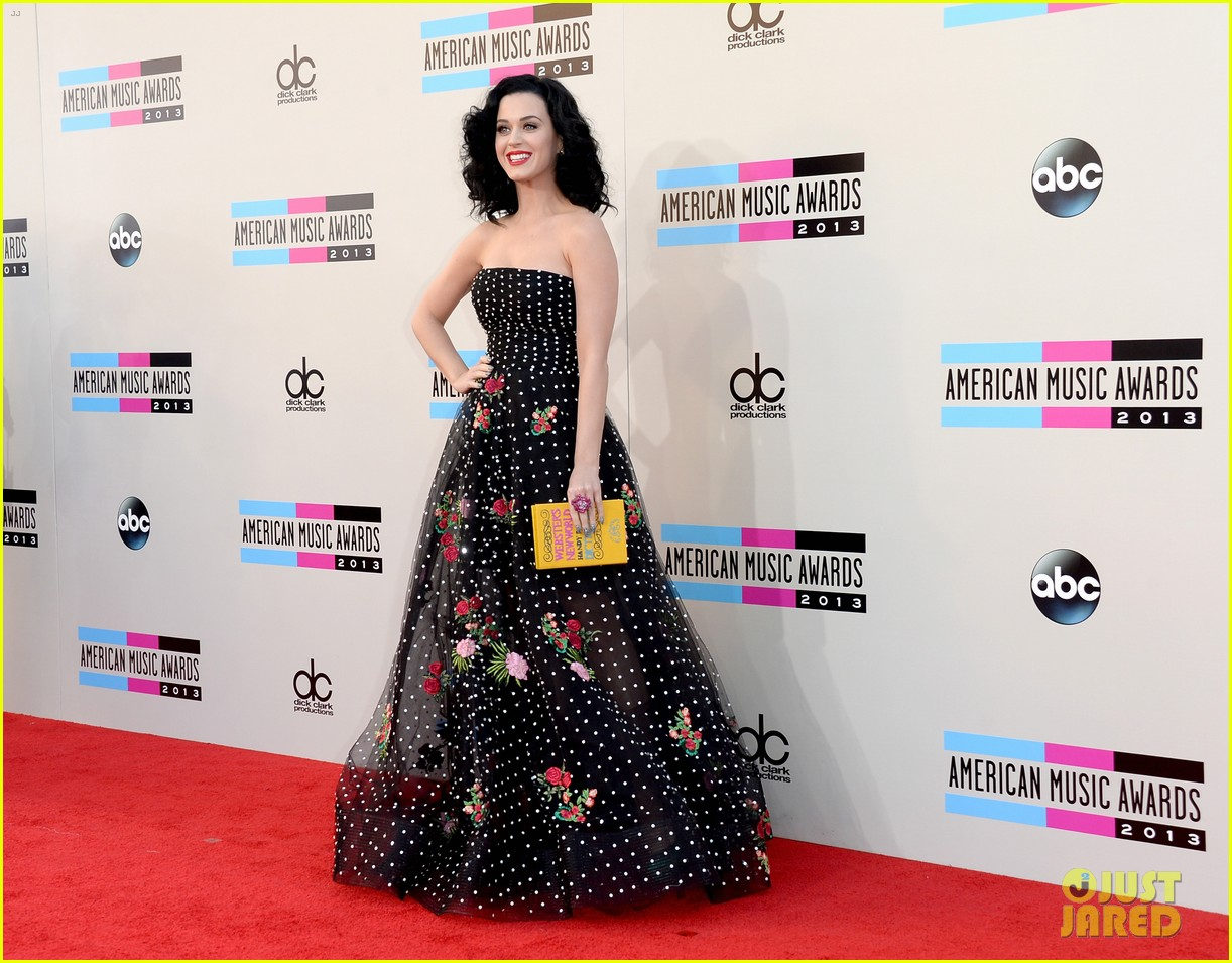 katy perry amas 2013 red carpet 01