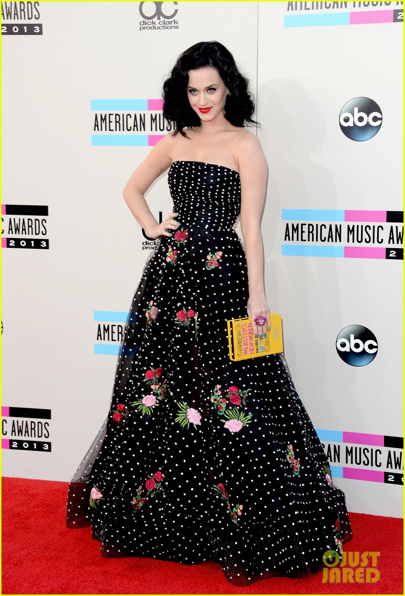 katy perry amas 2013 red carpet 05