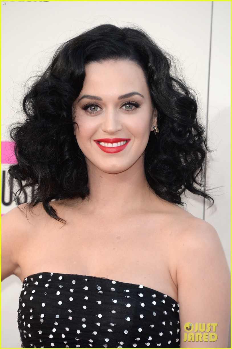 katy perry amas 2013 red carpet 08