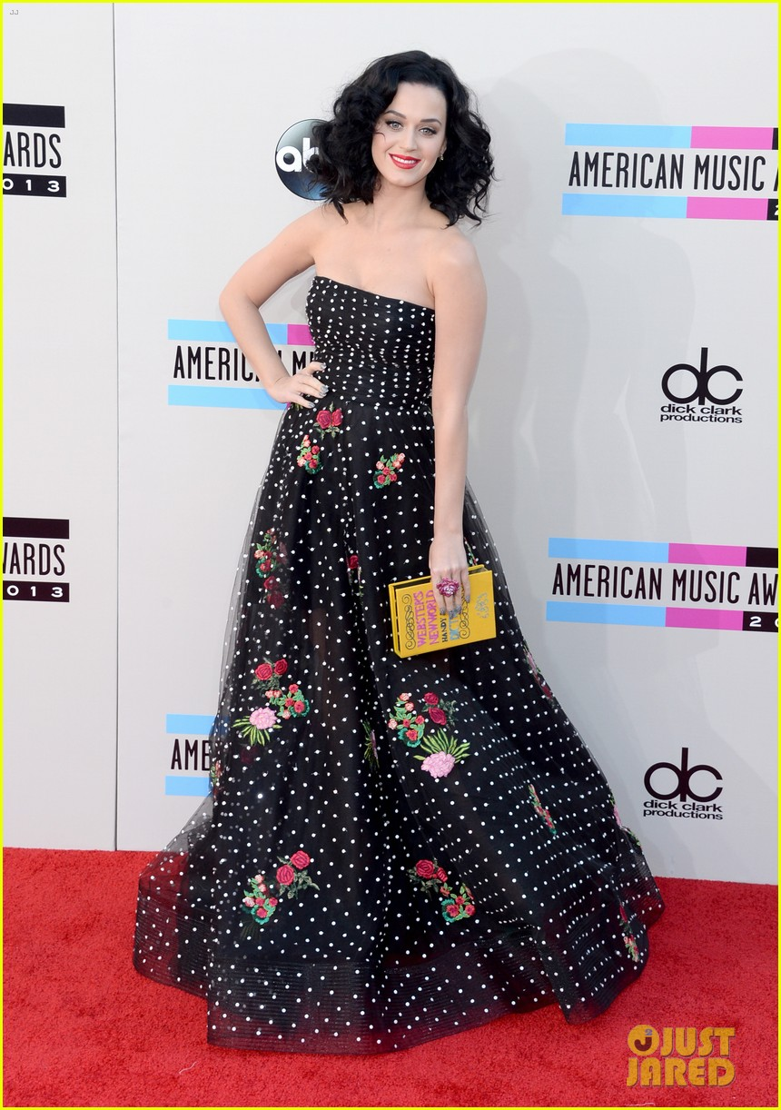 katy perry amas 2013 red carpet 14