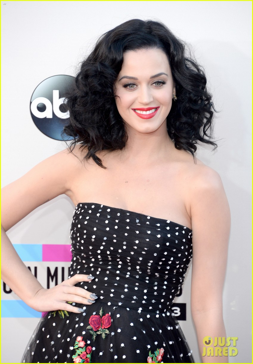 katy perry amas 2013 red carpet 162999212