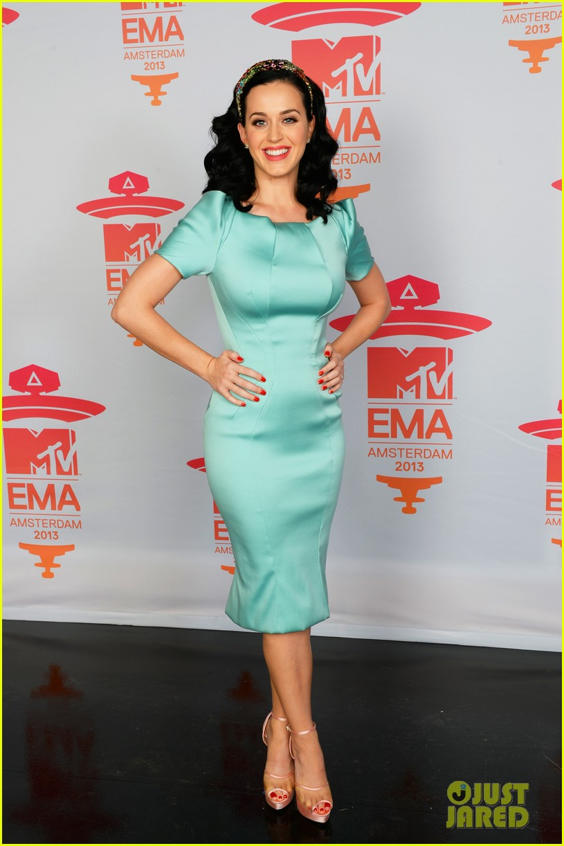 katy perry mtv ema 2013 red carpet 012989769