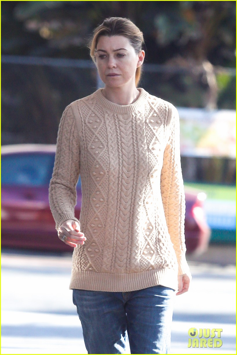 ellen pompeo cheers on the clippers with chris ivery 032995077