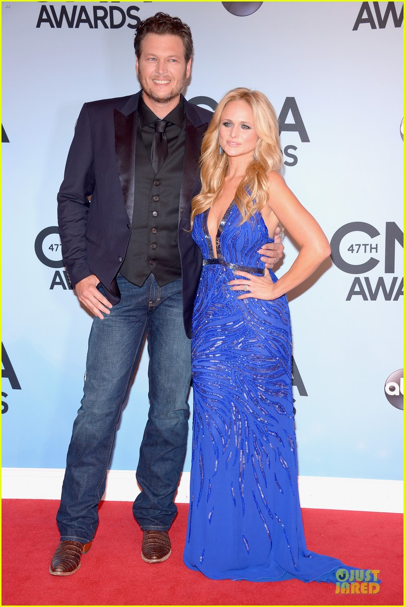 cassadee pope danielle bradbery cma awards 2013 red carpet 052987192
