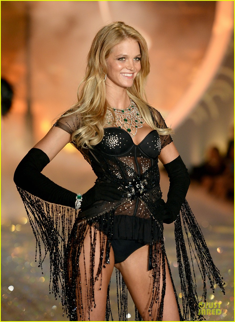 behati prinsloo erin heatherton victorias secret fashion show 2013 222992289