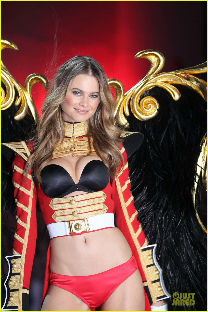 behati prinsloo erin heatherton victorias secret fashion show 2013 252992292