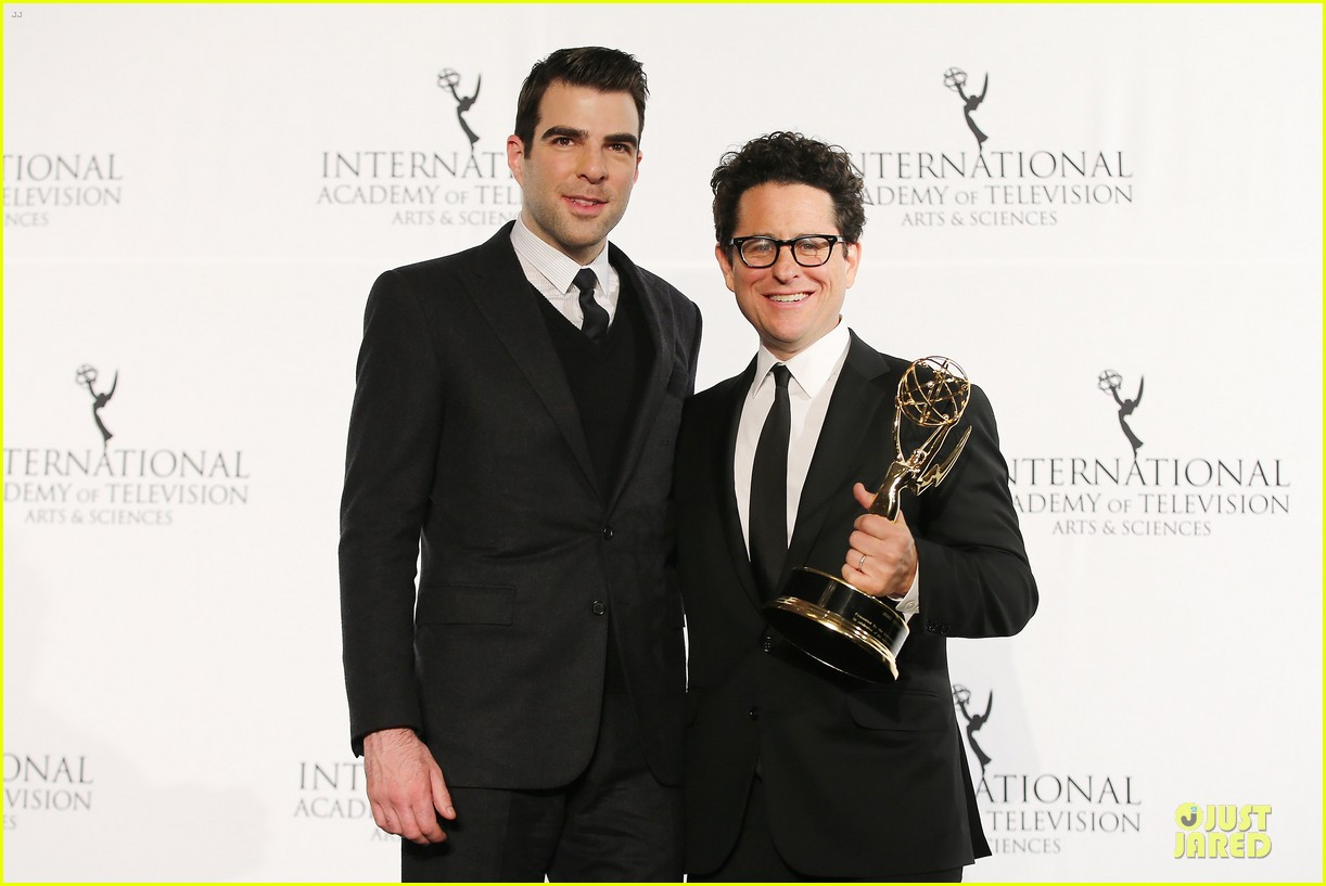 zachary quinto honors jj abrams at international emmys 04
