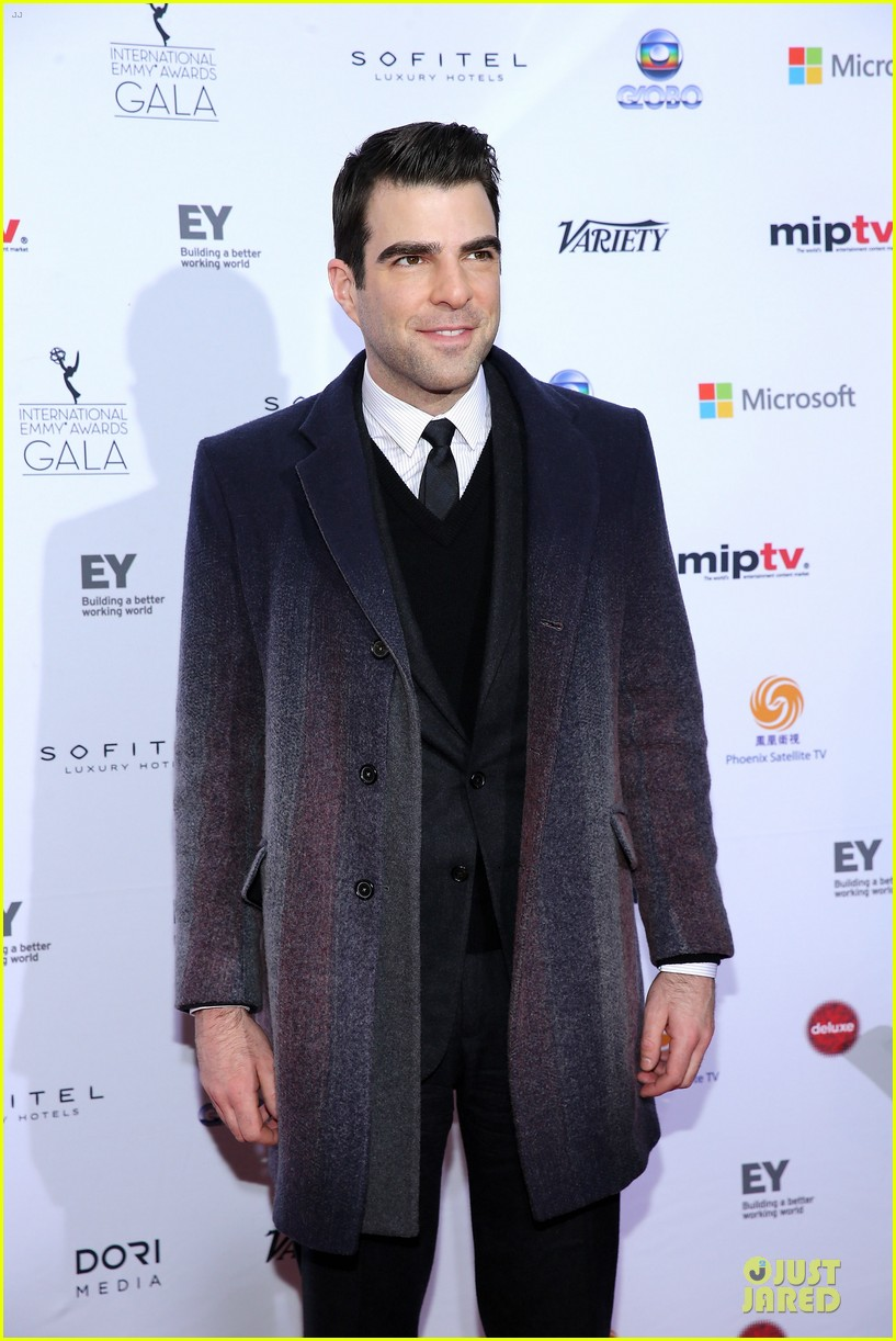 zachary quinto honors jj abrams at international emmys 08
