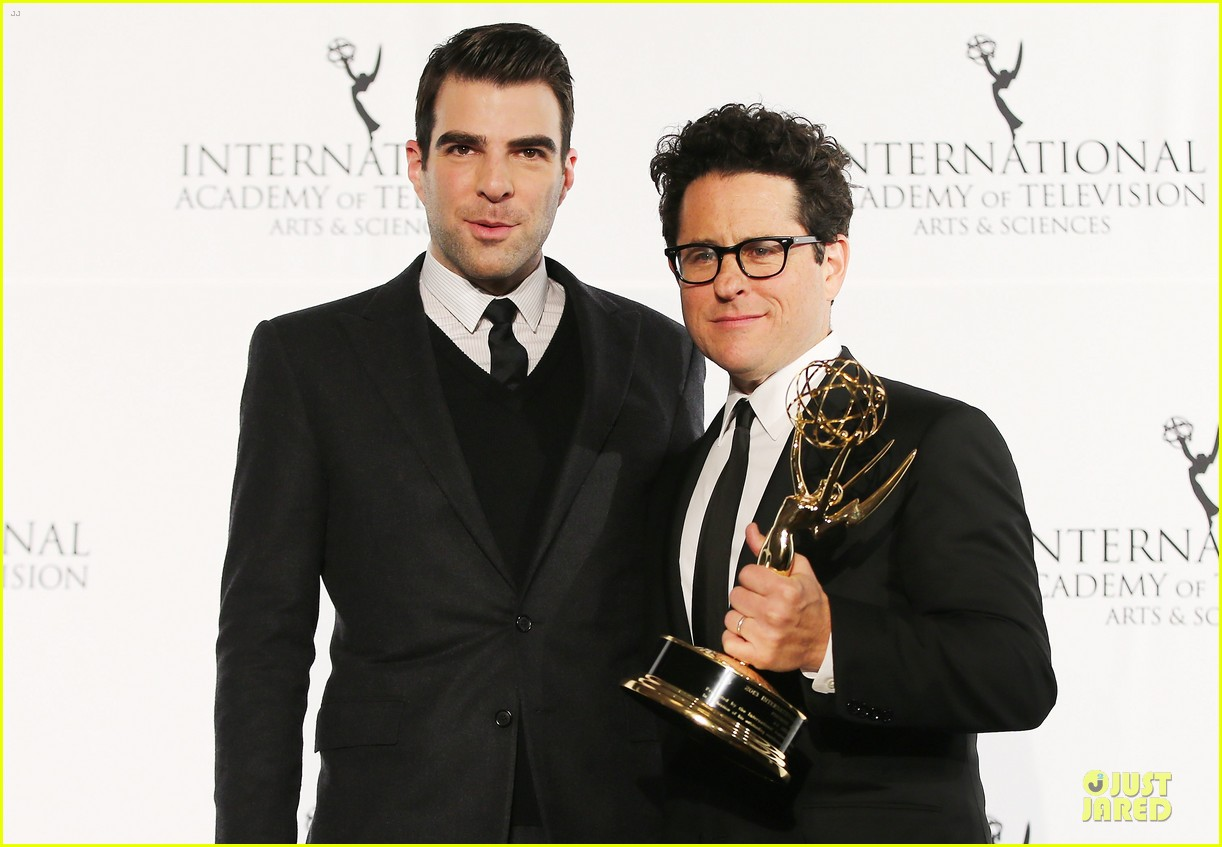 zachary quinto honors jj abrams at international emmys 11