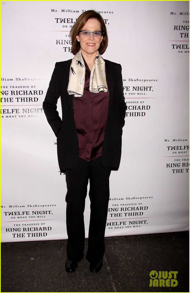 zachary quinto sigourney weaver twelfth night opening night 03