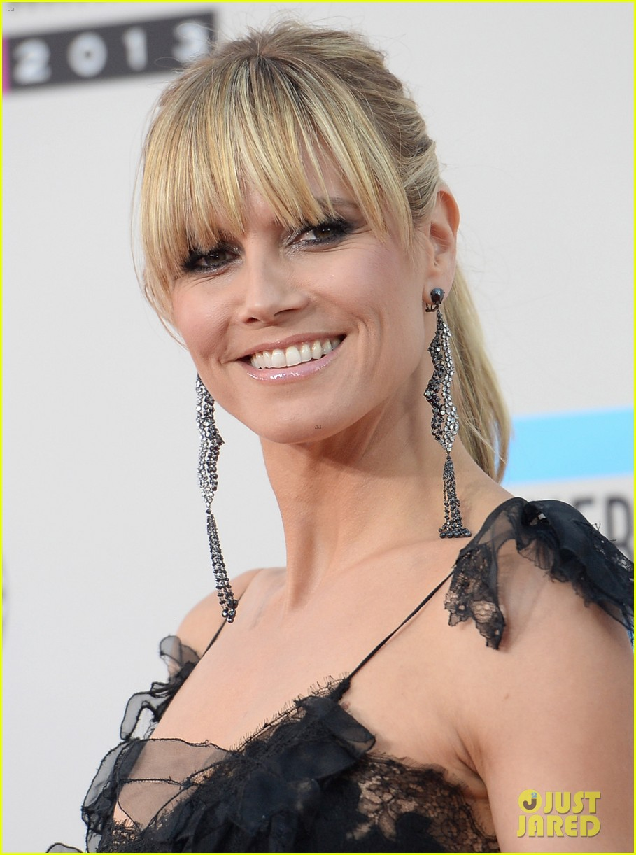 nicole richie heidi klum amas 2013 red carpet 07