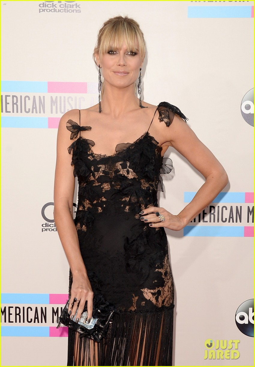 nicole richie heidi klum amas 2013 red carpet 112999350