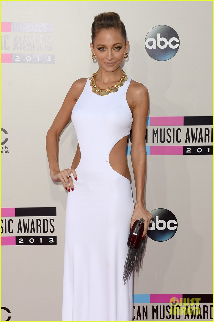 nicole richie heidi klum amas 2013 red carpet 152999354