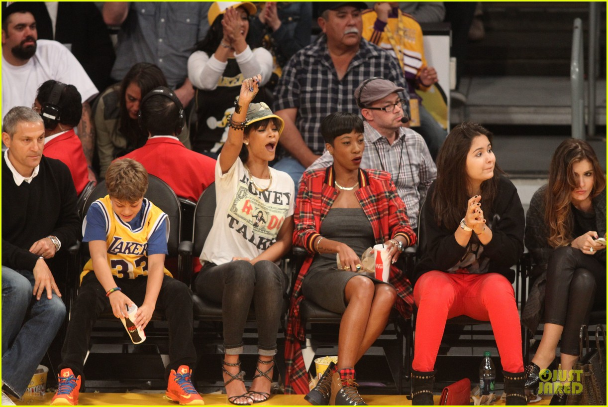 rihanna bff melissa forde hold hands at lakers game 172998447